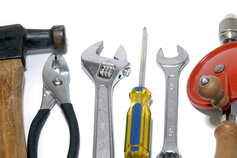Hand Tools - Hammers, Tape Measures, Screwdrivers, Wrenches, Pliers